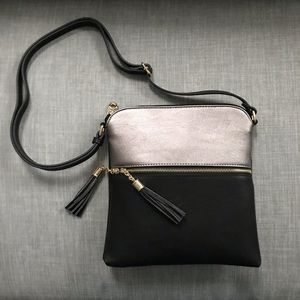 Handbags - NWT vegan leather color blocked crossbody purse